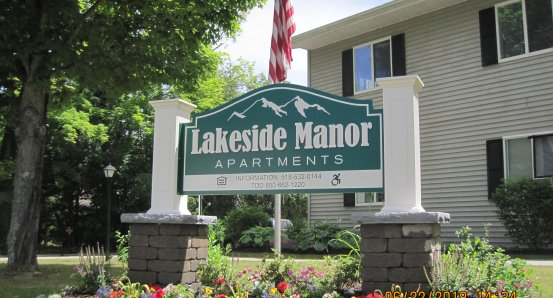 Lakeside Manor sign new.jpg