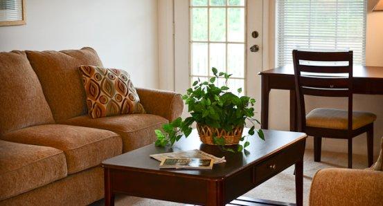Daniels-livingroom.jpg